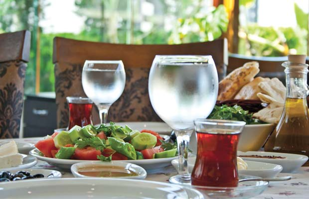 mavisehir-dergisi-hasan-kolcuoglu-kahvaltı